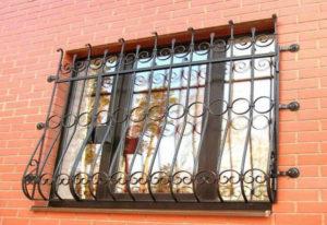 Оконные решетки – надежная защита в сочетании с красивым декором