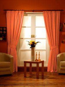 Оранжевые шторы — Оригинальное оформление интерьера (72 фото)
