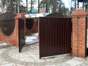Выбираем идеальные распашные ворота