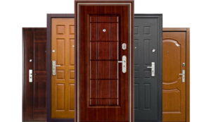 Какие можно выбрать двери для частного дома