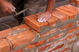 Кирпич, как материал для строительства дома.