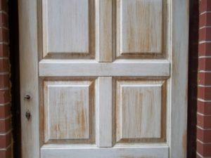 Каково важнейшее качество деревянных дверей?