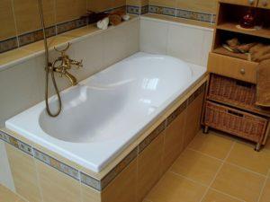 Знакомство с акриловой ванной