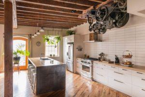 Плюсы и минусы кухонь в стиле лофт