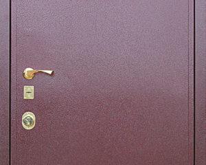 Железные двери с порошковым напылением: преимущества