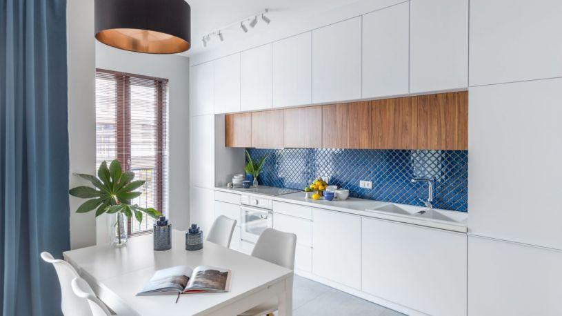 стена из плитки на кухне