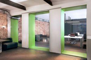 Раздвижные двери — функциональное решение в современном интерьере