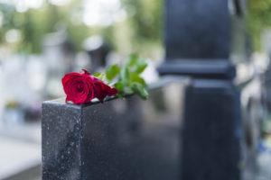 Памятник на могилу — что следует учесть при заказе