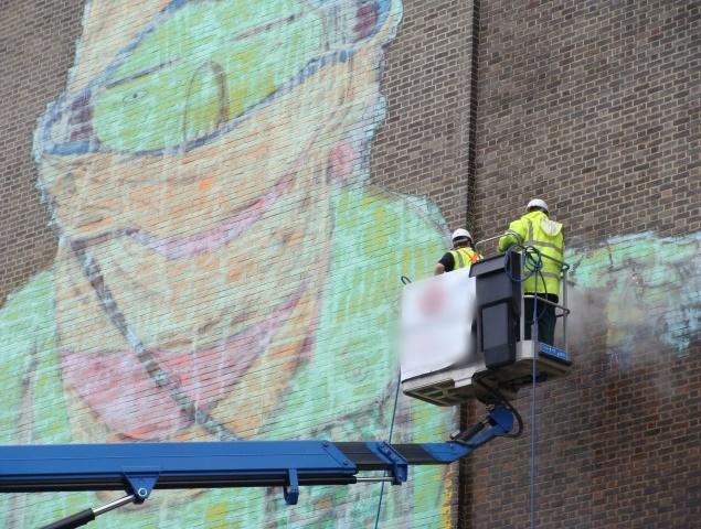 удаление граффити с фасадов