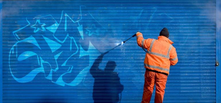 удаление граффити со стен